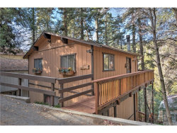 Photo of 28234 Larchmont Drive, Lake Arrowhead, CA 92352 (MLS # EV17267380)