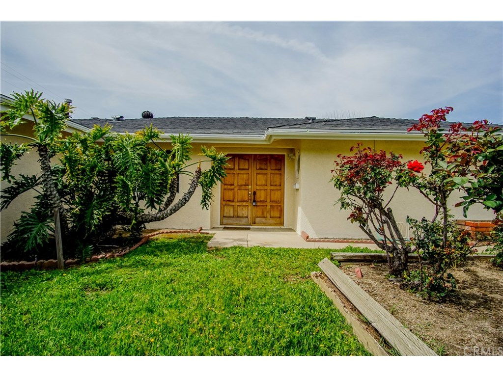 Photo for 418 E Gladstone Street, San Dimas, CA 91773 (MLS # EV19015127)