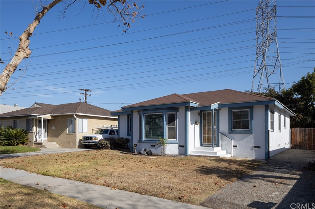 Photo for 6261 Turnergrove Drive, Lakewood, CA 90713 (MLS # IV19264158)