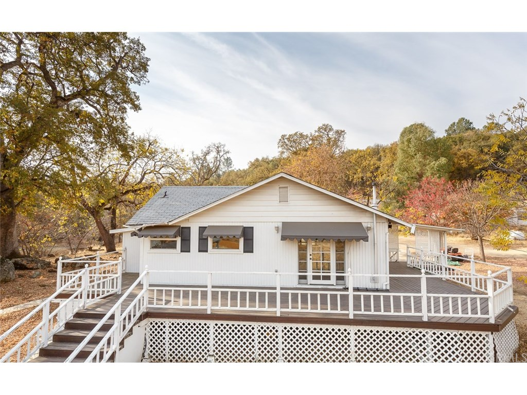 Photo for 5430 Schafer Road, Mariposa, CA 95338 (MLS # MP18276691)