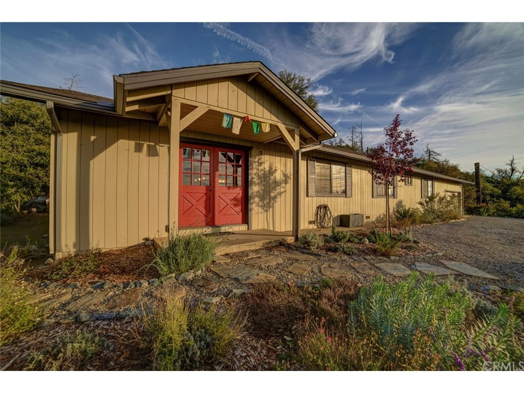 Photo for 4836 Triangle Road, Mariposa, CA 95338 (MLS # MP18294633)