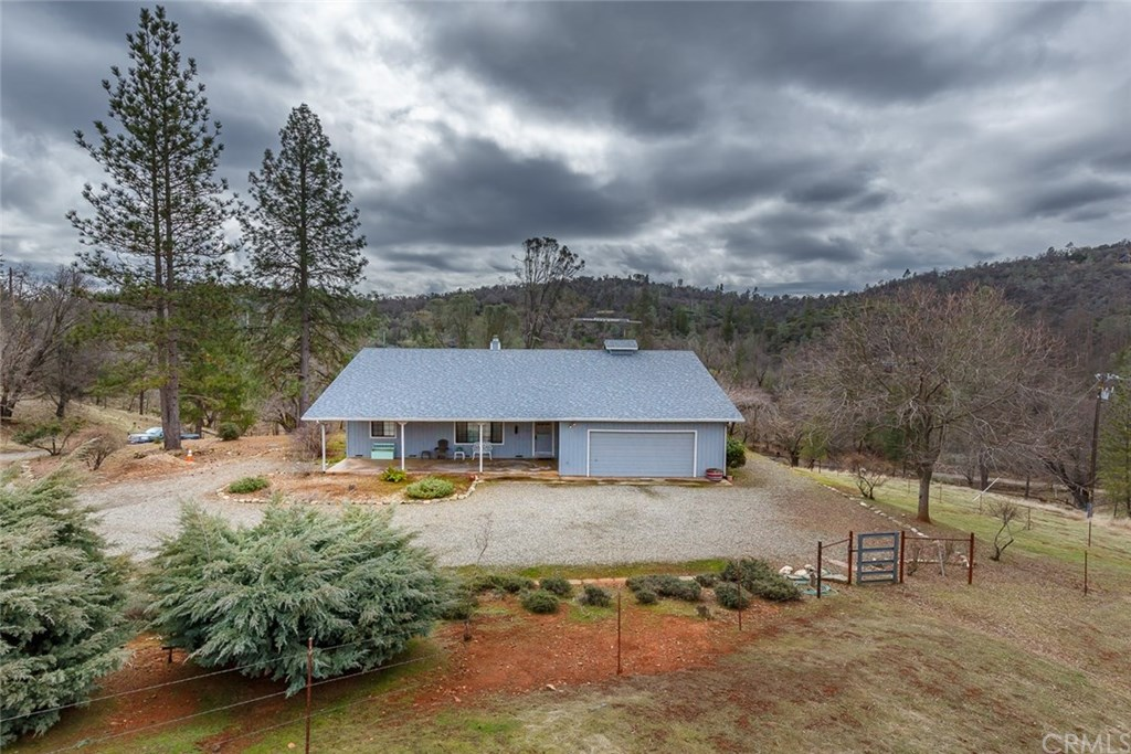 Photo for 5636 E Whitlock Road, Mariposa, CA 95338 (MLS # MP19036258)