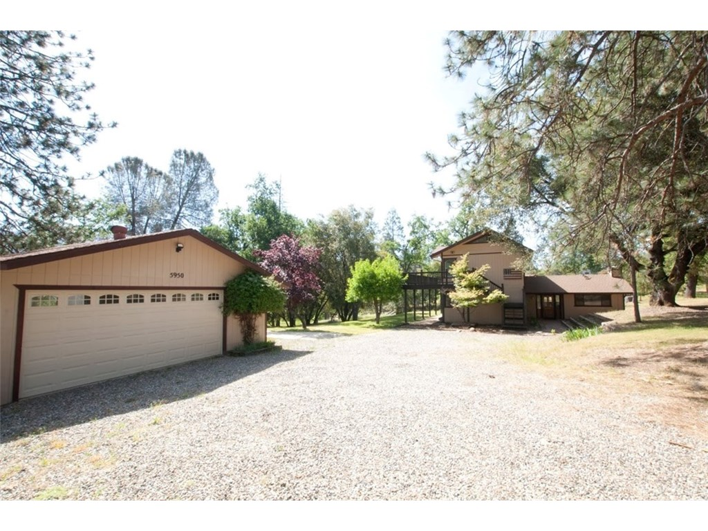 Photo for 5950 Pine Top Dr., Mariposa, CA 95338 (MLS # MP19056449)