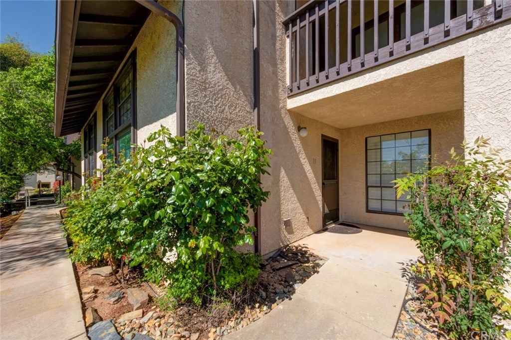 Photo for 5303 #13 State Highway 49 N, Unit 13, Mariposa, CA 95338 (MLS # MP19093855)
