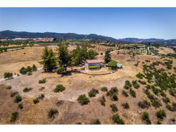 Photo of 6140 Vista Serrano, Paso Robles, CA 93446 (MLS # NS17140168)
