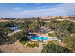 Photo of 870 Windwood Road, Paso Robles, CA 93446 (MLS # NS17207704)
