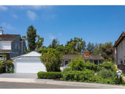 Photo of 220 Kings Place, Newport Beach, CA 92663 (MLS # OC17187607)