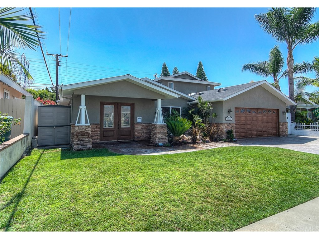 Photo for 10232 Pua Drive, Huntington Beach, CA 92646 (MLS # OC17196265)