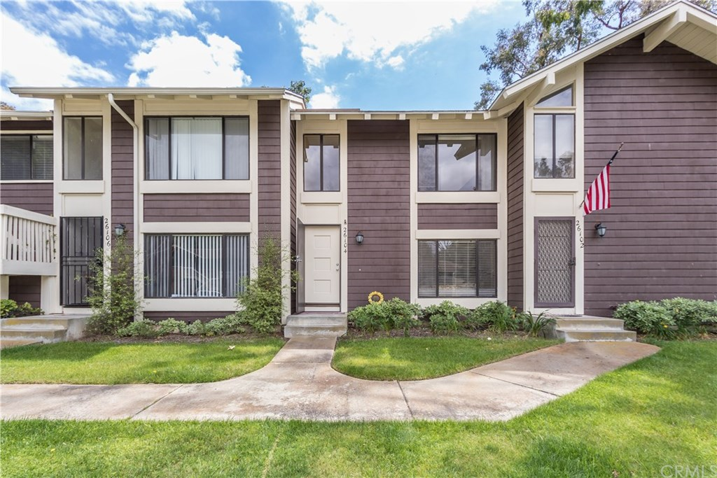 Photo for 26104 Hillsford Place, Unit 59, Lake Forest, CA 92630 (MLS # OC19119440)