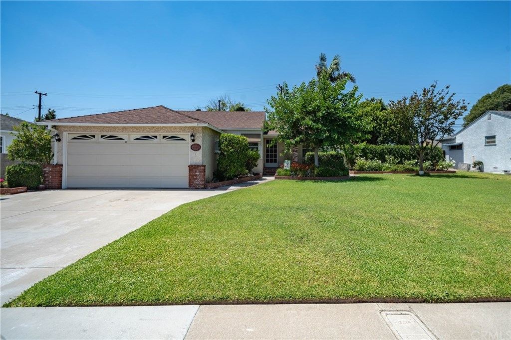 Photo for 11051 Ranger Drive, Los Alamitos, CA 90720 (MLS # OC19179860)