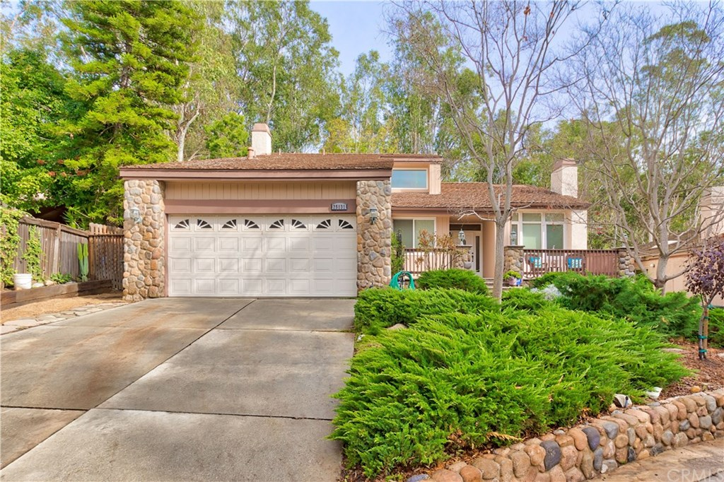Photo for 25131 Sleepy Hollow, Unit TE, Lake Forest, CA 92630 (MLS # OC19274701)