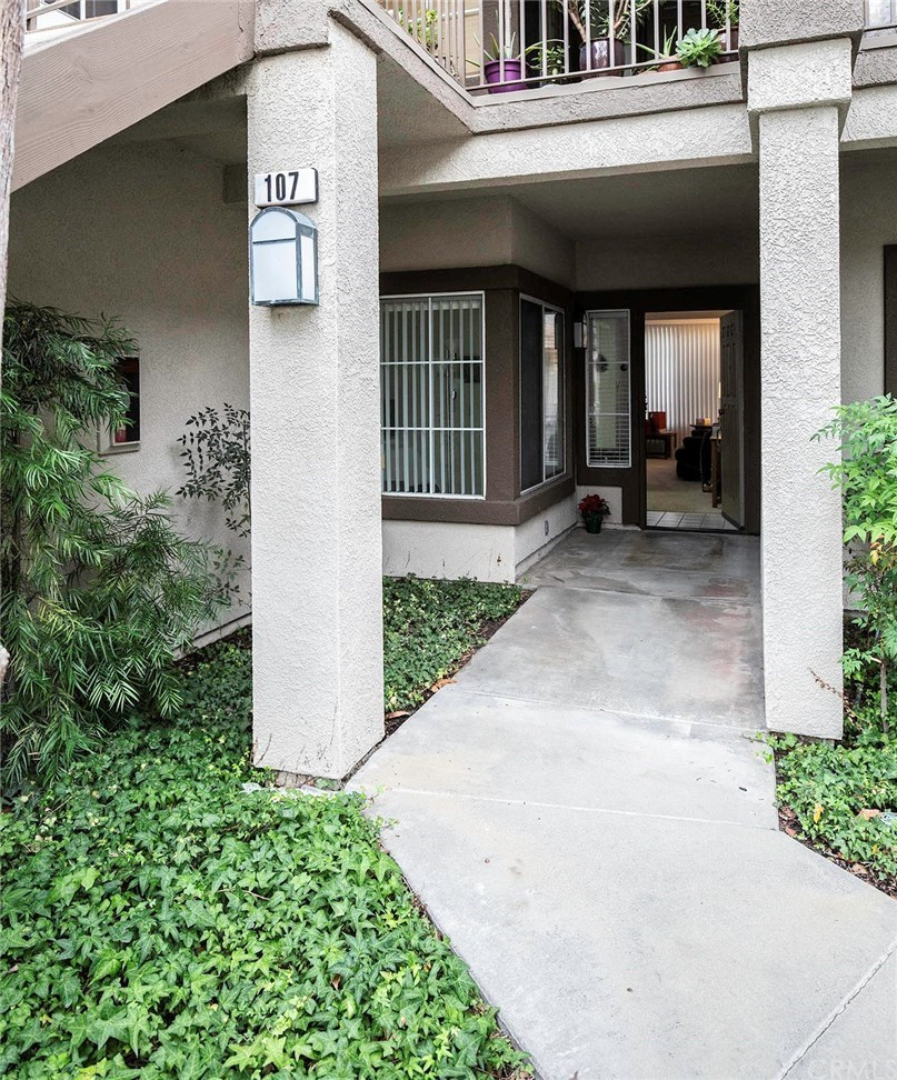Photo for 107 Chaumont Circle, Lake Forest, CA 92610 (MLS # OC19277221)