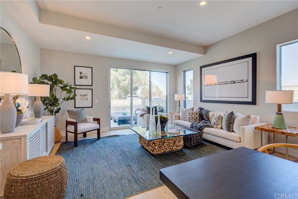 Photo for 1920 S Pacific Coast Highway, Unit 111, Redondo Beach, CA 90277 (MLS # OC20023000)