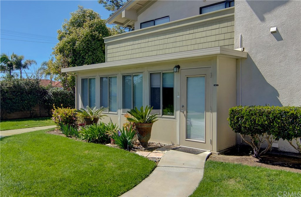 Photo for 8633 Portola Court, Unit 18A, Huntington Beach, CA 92646 (MLS # OC20063318)