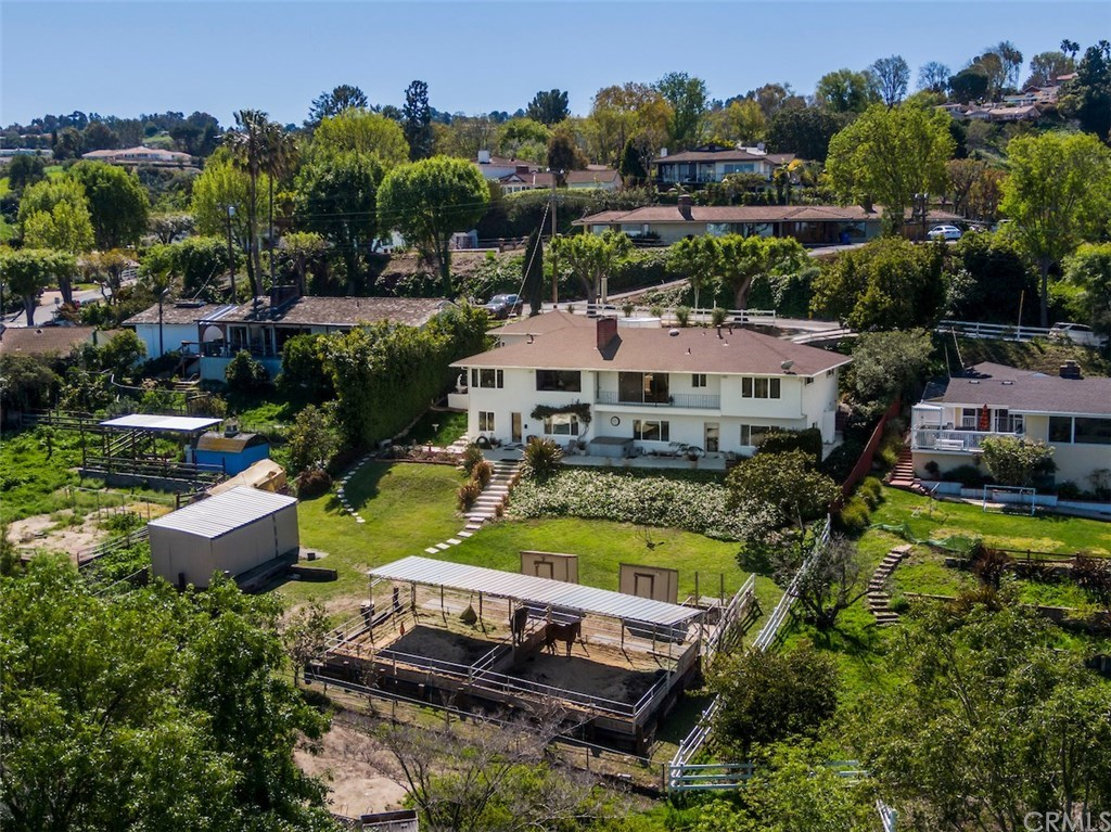 Photo for 27035 Eastvale Road, Palos Verdes Peninsula, CA 90274 (MLS # PV19059533)