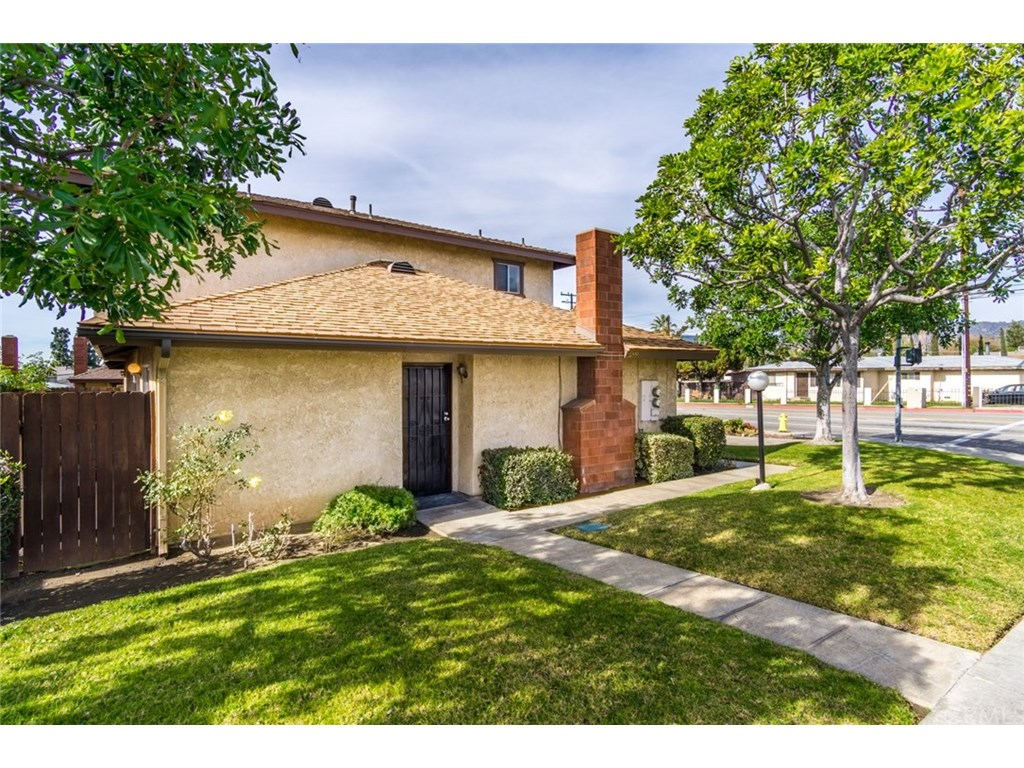 Photo for 1299 N Sunflower Avenue, Covina, CA 91724 (MLS # PW19035882)