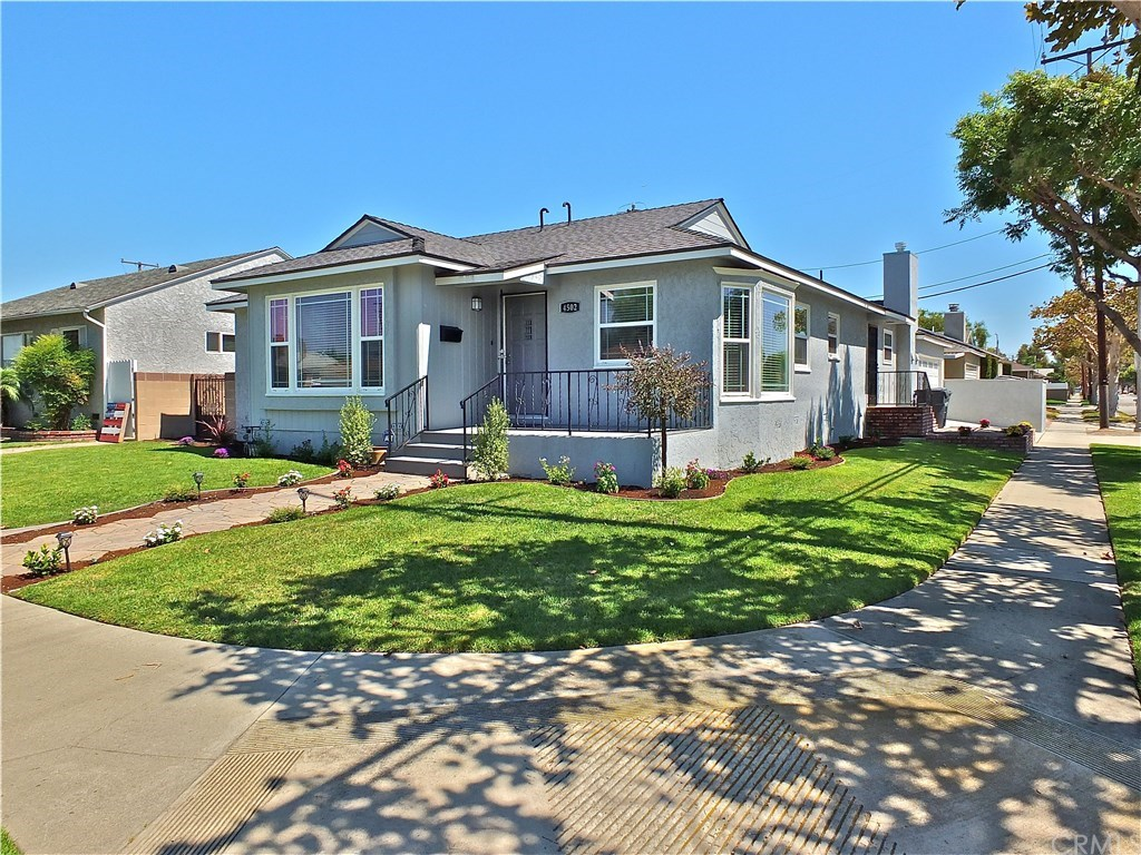 Photo for 4502 Knoxville Avenue, Lakewood, CA 90713 (MLS # PW19214605)