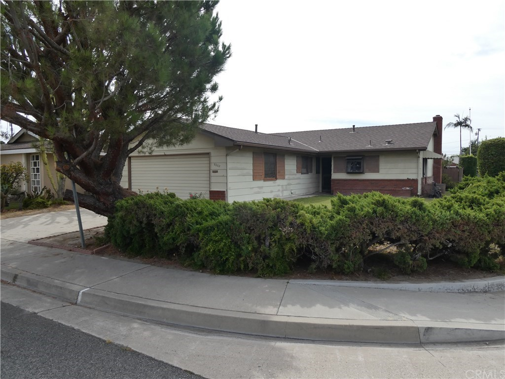 Photo for 6602 Wolfe Street, Lakewood, CA 90713 (MLS # PW19226099)