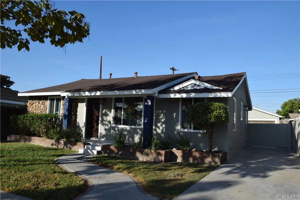Photo for 20927 Ely Avenue, Lakewood, CA 90715 (MLS # PW19244163)