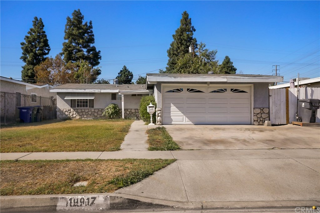 Photo for 19917 Flallon Avenue, Lakewood, CA 90715 (MLS # PW19256041)