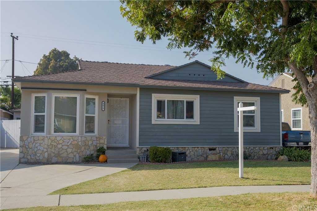 Photo for 4429 Ostrom Avenue, Lakewood, CA 90713 (MLS # PW19260921)