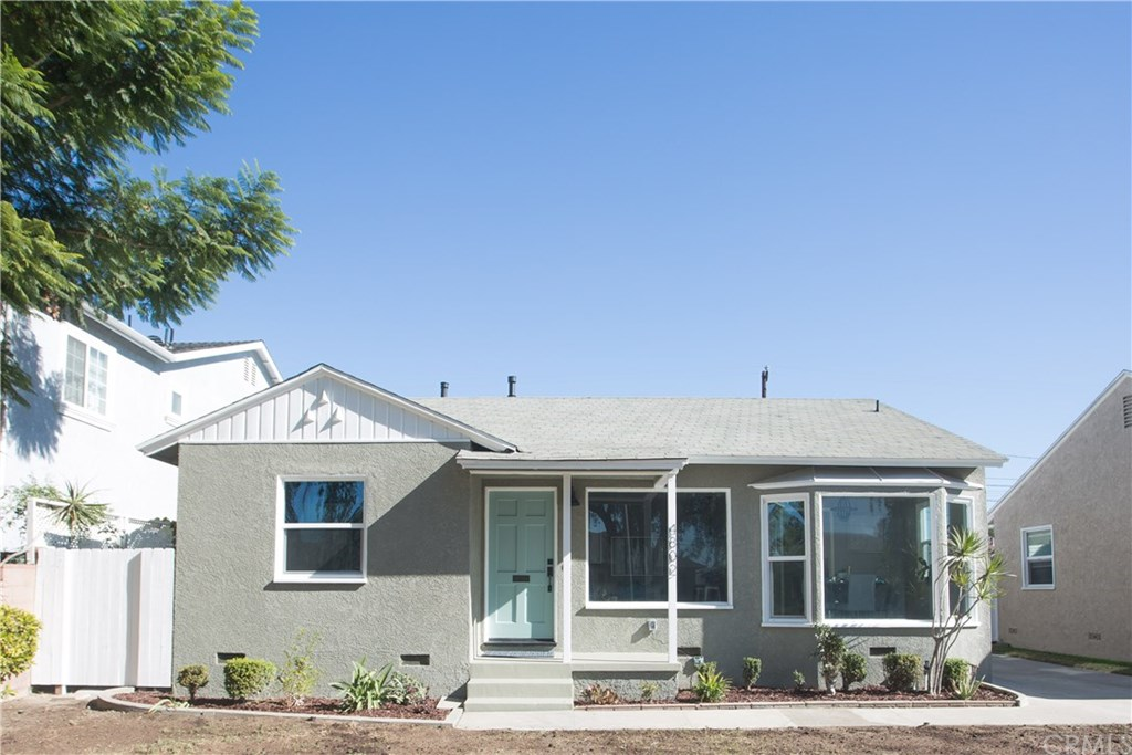 Photo for 4802 Snowden Avenue, Lakewood, CA 90713 (MLS # PW19266477)