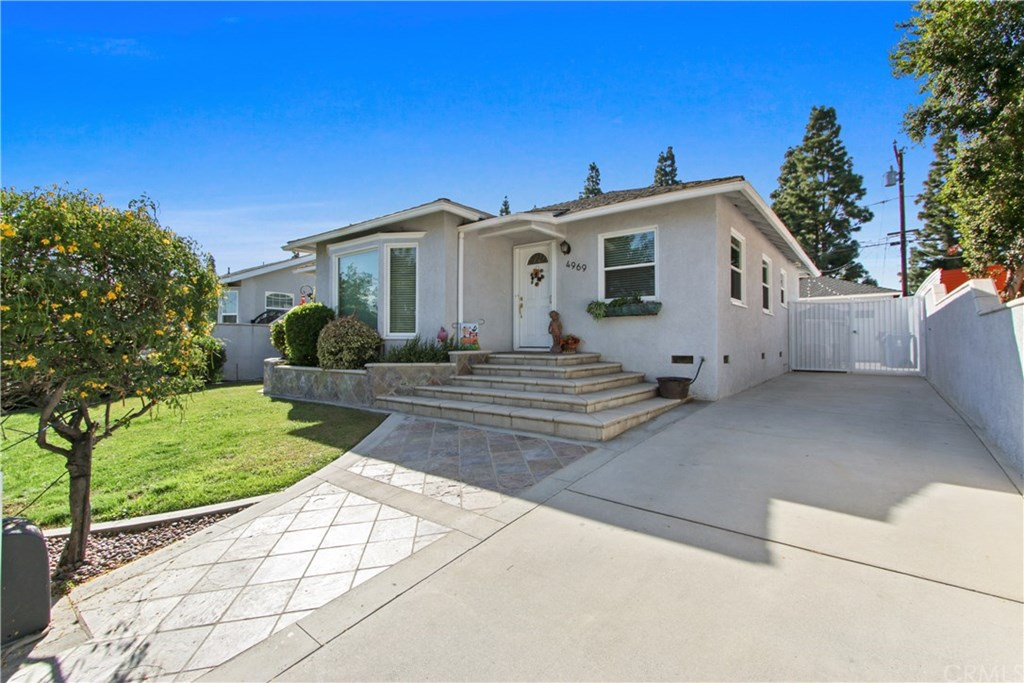 Photo for 4969 Dunrobin Avenue, Lakewood, CA 90713 (MLS # PW19269386)