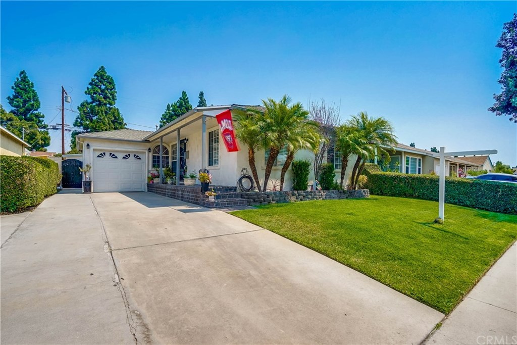 Photo for 5202 Fidler Avenue, Lakewood, CA 90712 (MLS # PW20169811)