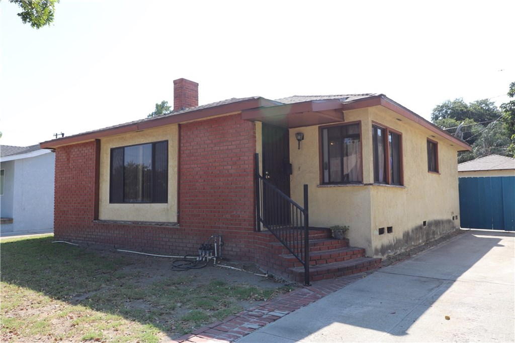 Photo for 5817 Oliva Avenue, Lakewood, CA 90712 (MLS # PW20170563)