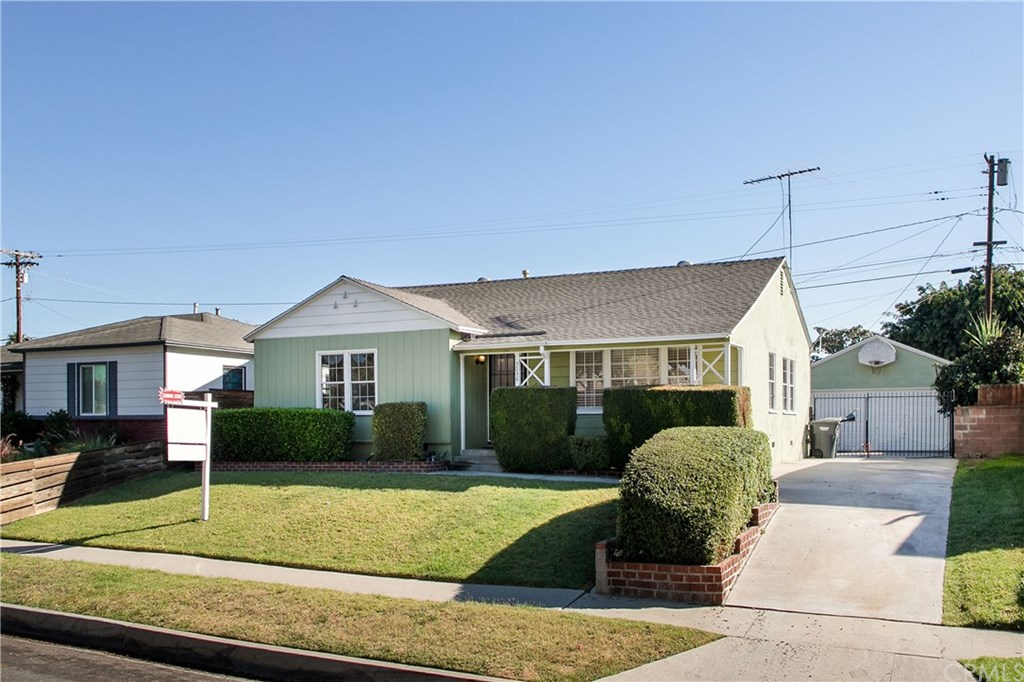 Photo for 5036 Downey Avenue, Lakewood, CA 90712 (MLS # RS19267889)