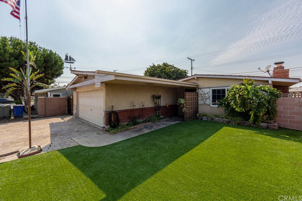 Photo for 20223 Jersey Avenue, Lakewood, CA 90715 (MLS # RS20212827)