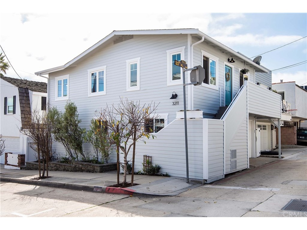Photo for 3211 Morningside Drive, Hermosa Beach, CA 90254 (MLS # SB19010696)