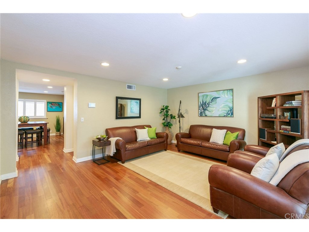 Photo for 317 N Broadway , Unit 7, Redondo Beach, CA 90277 (MLS # SB19028147)