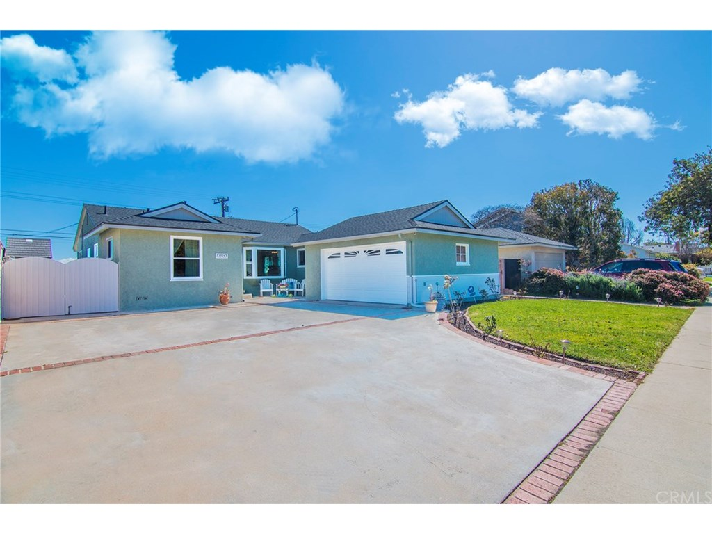 Photo for 19704 Ronald Avenue, Torrance, CA 90503 (MLS # SB19057118)