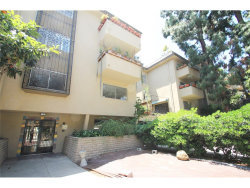 Photo of 6732 Hillpark Drive , Unit 405, Hollywood Hills, CA 90068 (MLS # SR17105457)