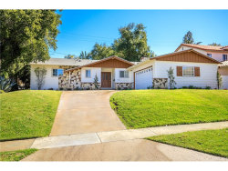 Photo of 25064 Highspring Avenue, Newhall, CA 91321 (MLS # SR18046344)