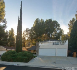 Photo of 29017 Flowerpark Drive, Canyon Country, CA 91387 (MLS # SR18265174)