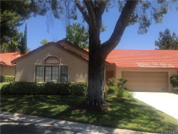 Photo of 20041 Avenue Of The Oaks, Newhall, CA 91321 (MLS # SR20192879)