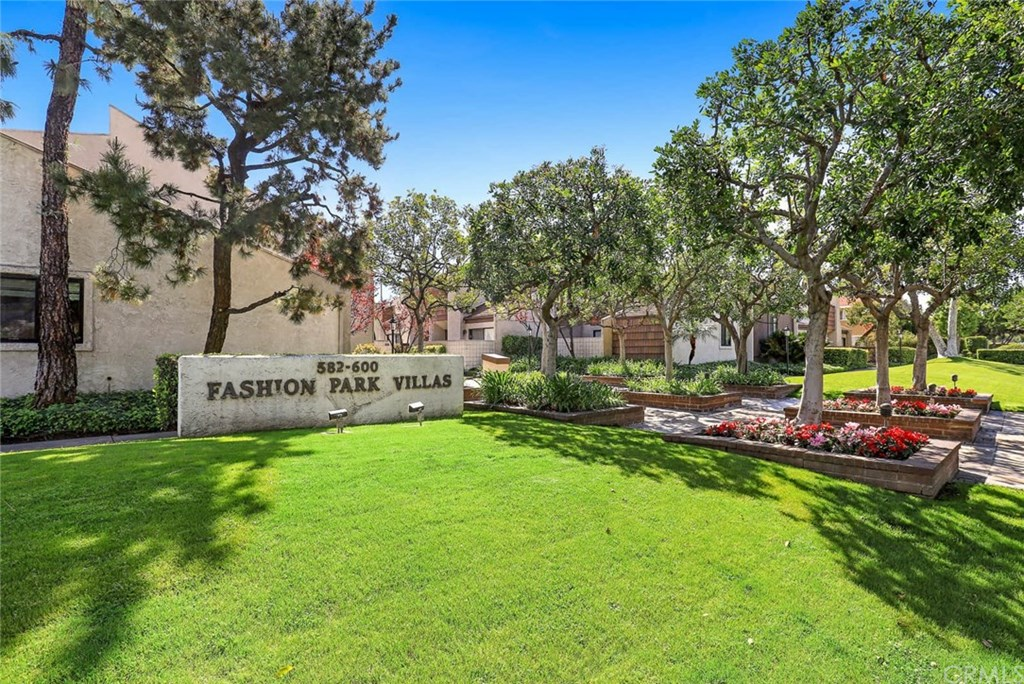 Photo for 592 W Huntington Drive, Unit D, Arcadia, CA 91007 (MLS # WS20055876)