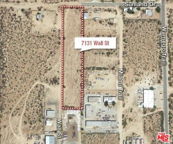 Photo of 7131 Wall Street, Yucca Valley, CA 92284 (MLS # 18307866)