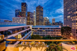 Photo of 121 S Hope Street, Unit 606, Los Angeles, CA 90012 (MLS # 18324186)
