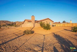Photo of 61776 Navajo Trail, Joshua Tree, CA 92252 (MLS # 19455002PS)
