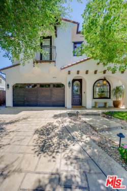 Photo of 12112 Hollyglen Place, Studio City, CA 91604 (MLS # 19510968)