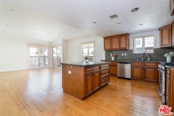 Photo of 980 S Oxford Avenue, Unit 403, Los Angeles, CA 90006 (MLS # 20547474)