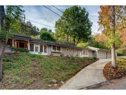 Photo of 1050 Stratford Drive, La Canada Flintridge, CA 91011 (MLS # 819000393)