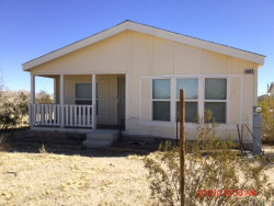 Photo of 9945 Fairlane Road, Lucerne Valley, CA 92356 (MLS # IV20062817)