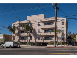 Photo of 4829 Whitsett Avenue , Unit 106, Valley Village, CA 91607 (MLS # SR18053476)