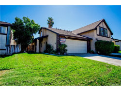 Photo of 16922 Shinedale Drive, Canyon Country, CA 91387 (MLS # SR18249938)