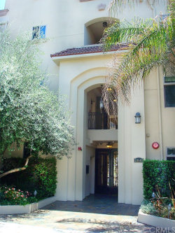 Photo of 10640 WOODBRIDGE Street , Unit 106, Toluca Lake, CA 91602 (MLS # SB18012040)