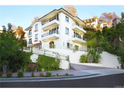 Photo of 2554 Hargrave Drive, Hollywood Hills, CA 90068 (MLS # TR18204965)